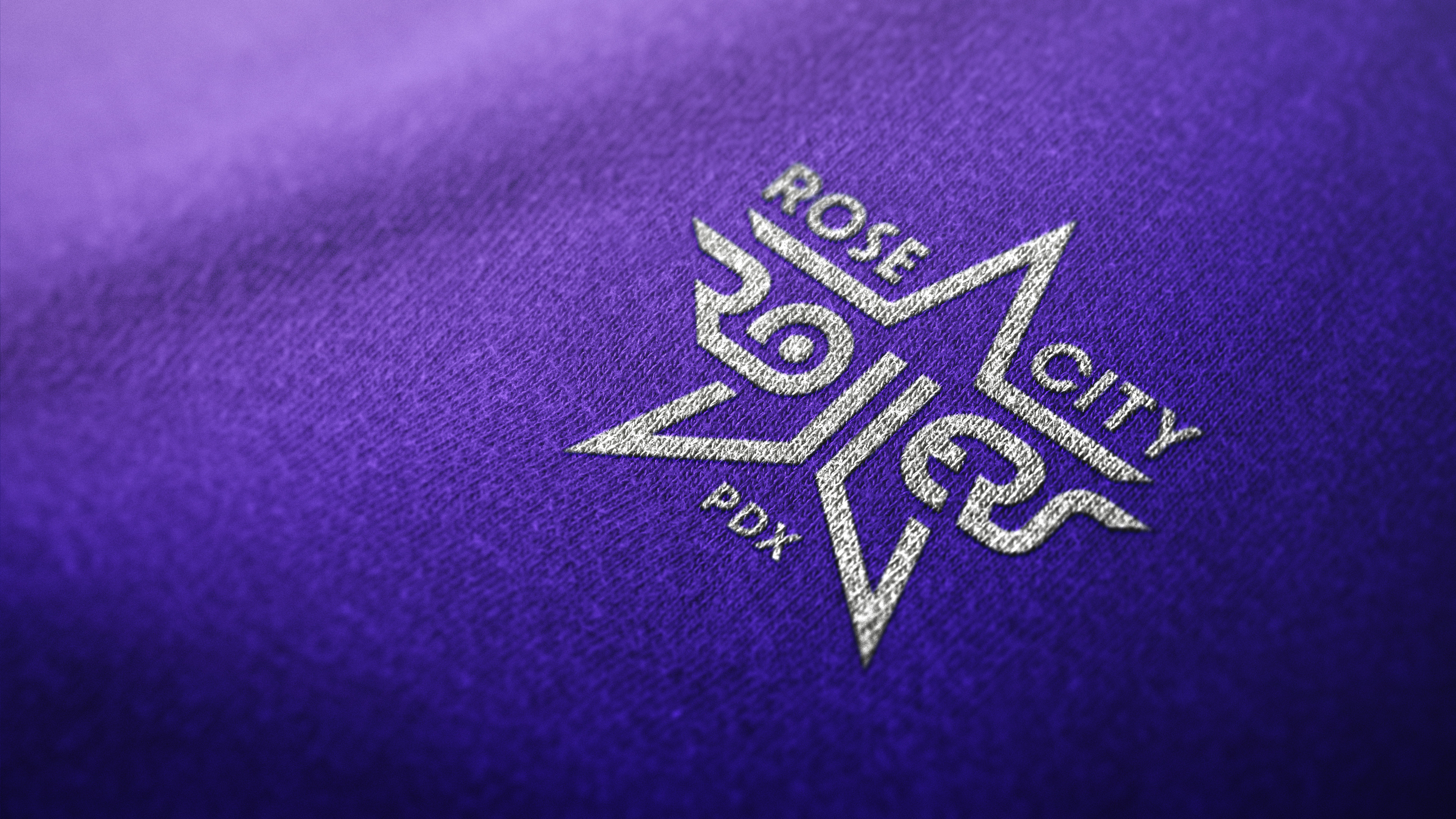 Logo-Mockup-Sweater